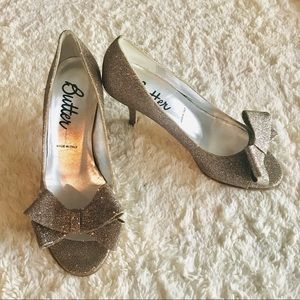 Butter Italy Champagne Glitter Bow Heels Size 7